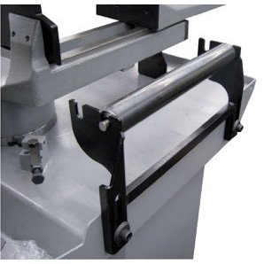 In-feed material support roller