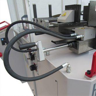 Quick adjusting hydraulic vise